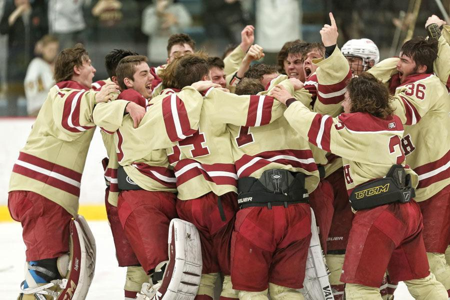 Players+celebrate+following+a+3-1+win+over+Lakeville+North
